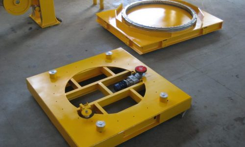 Automatic self-locking rotating trolley